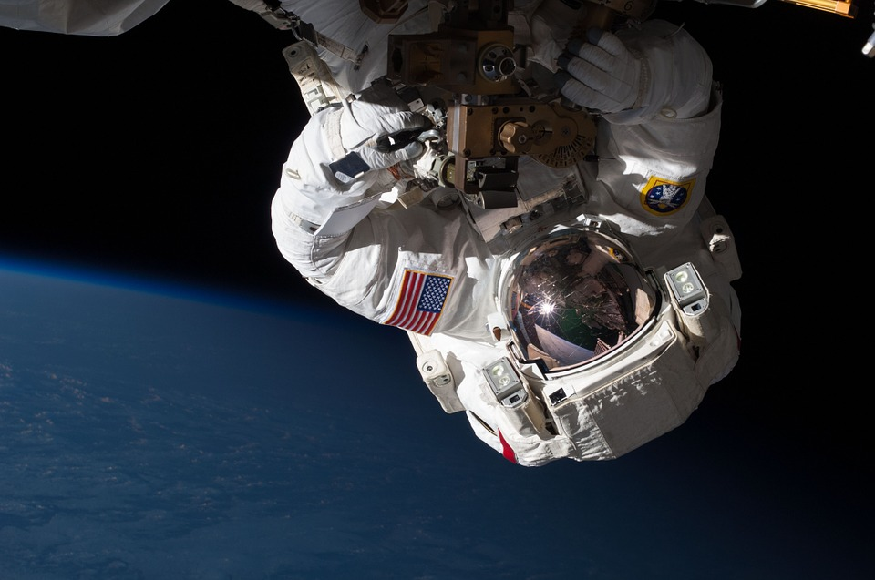 astronaut-877296_960_720
