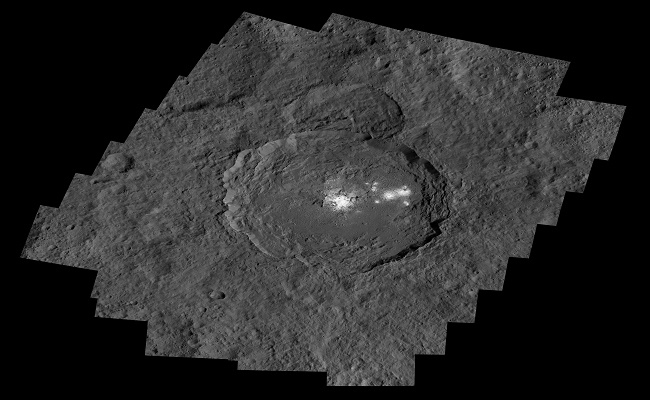 A wider view of Occator Crater, showing the salt deposits in high resolution. Image: NASA/JPL–Caltech/UCLA/MPS/DLR/IDA/PSI.