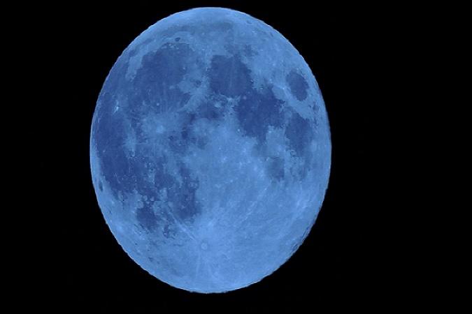 gty_blue_moon_lb_150730_16x9_992