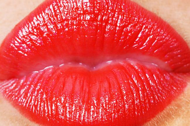 Red Lip Gloss Kiss