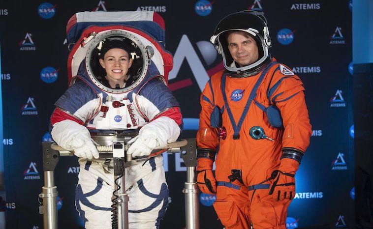 NASA-Weltraumanzg - Frau und Mann im Anzug